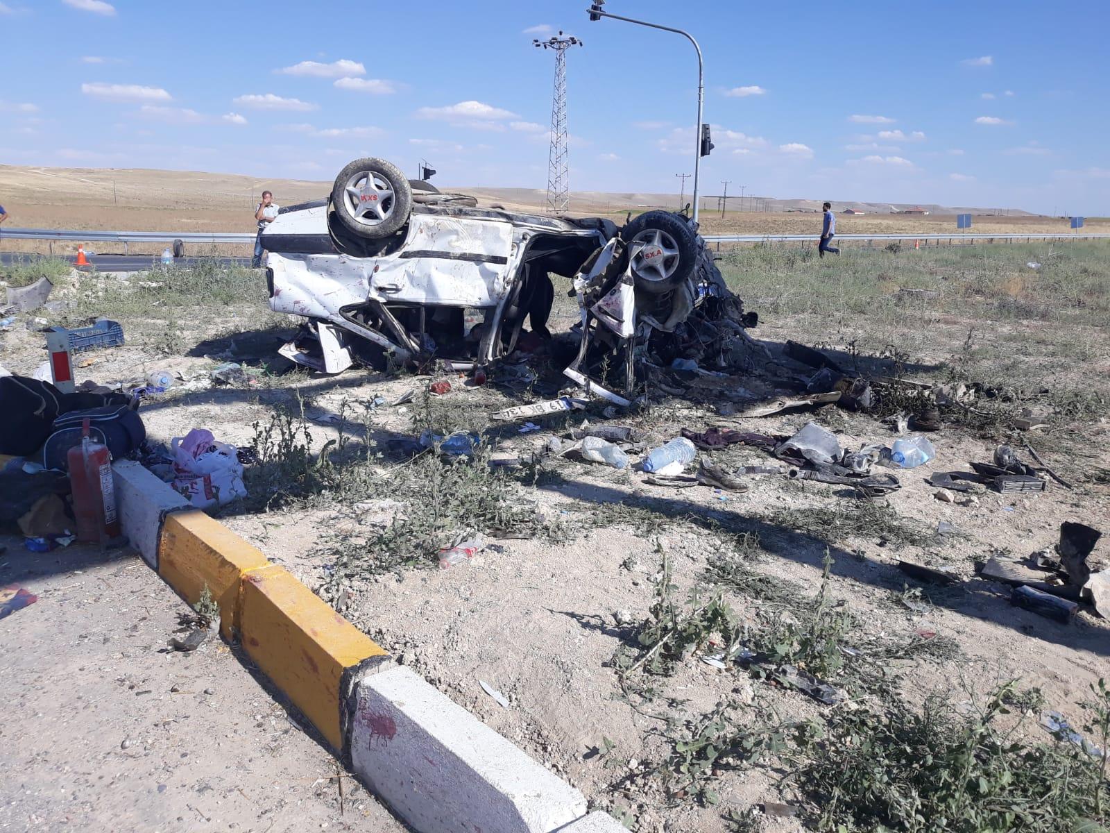 Konya'da İki Otomobil Çarpıştı: 1 Ölü, 7 Yaralı