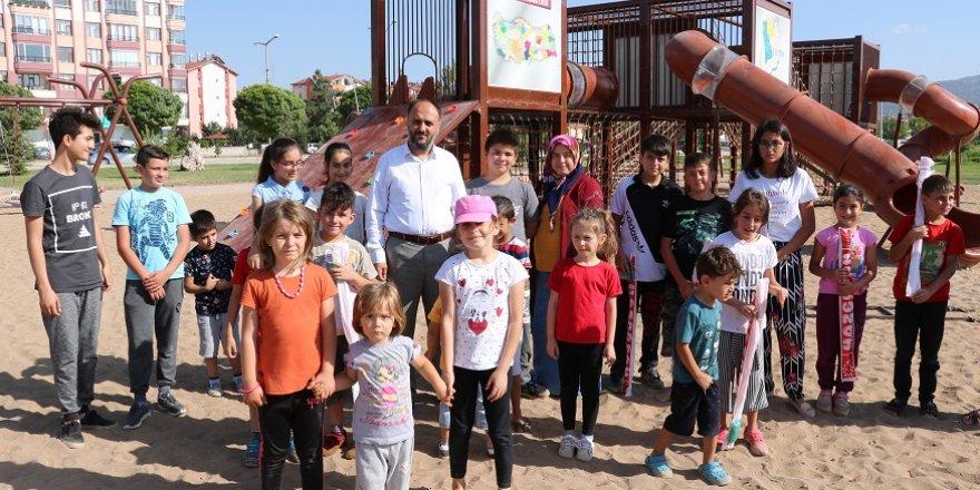 Beyşehir'de yeni çocuk oyun parkı miniklerin çekim merkezi oldu