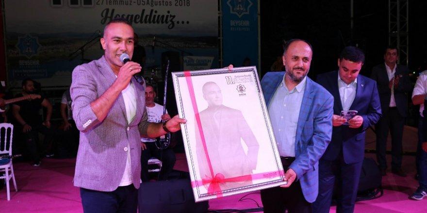 Mümin Sarıkaya, Beyşehir'de hayranlarıyla buluştu