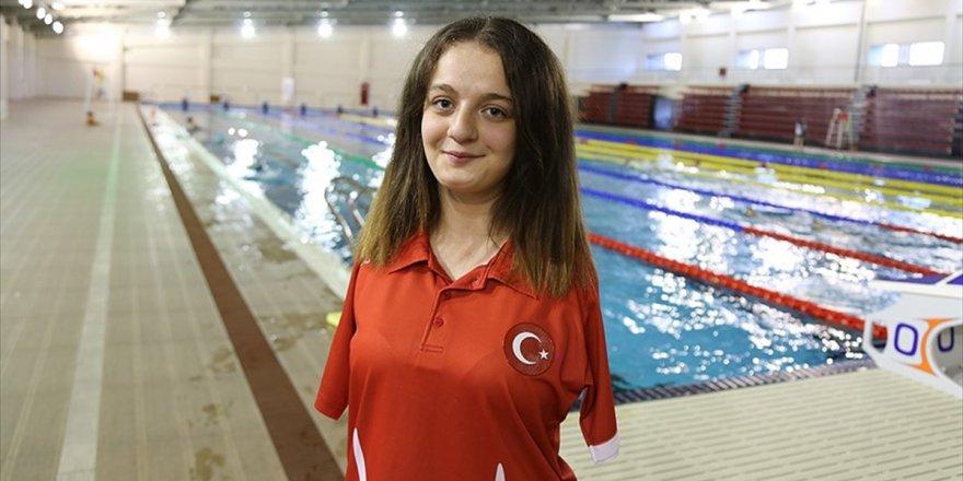 Milli Yüzücü Boyacı'dan Altın Madalya