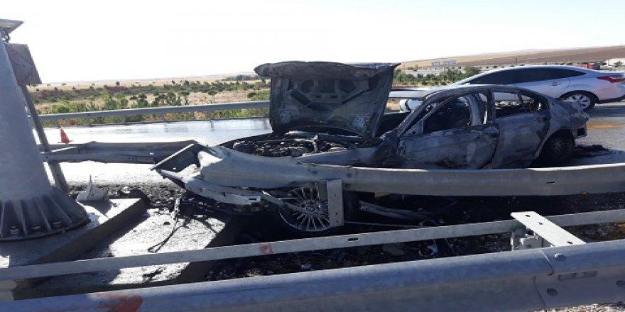 Kaza Yapan Otomobil Yanarak Kül Oldu