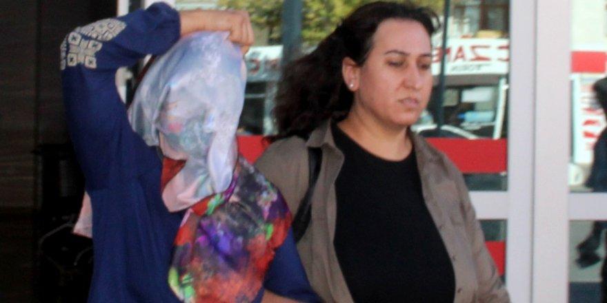 Çocuklarının Üzerine Kimyasal Madde Atan Kadın Tutuklandı