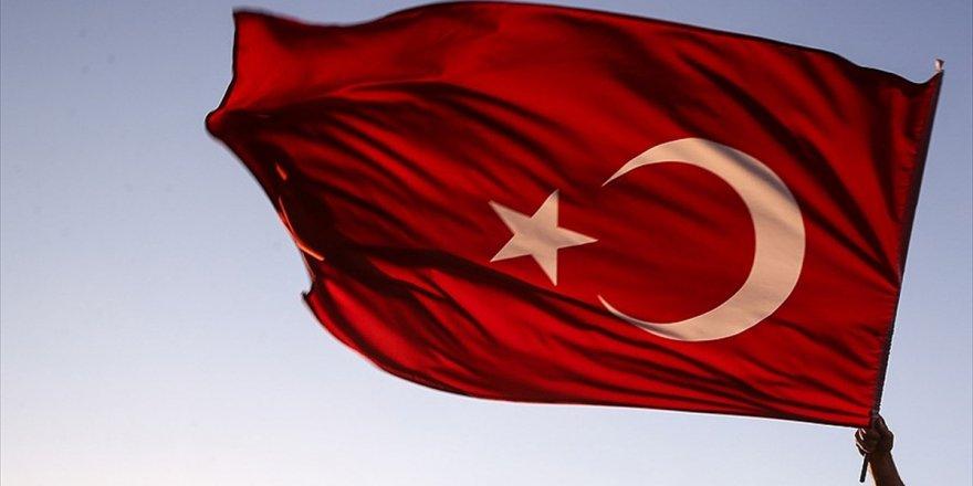 Türkiye Gazilerini El Üstünde Tutuyor