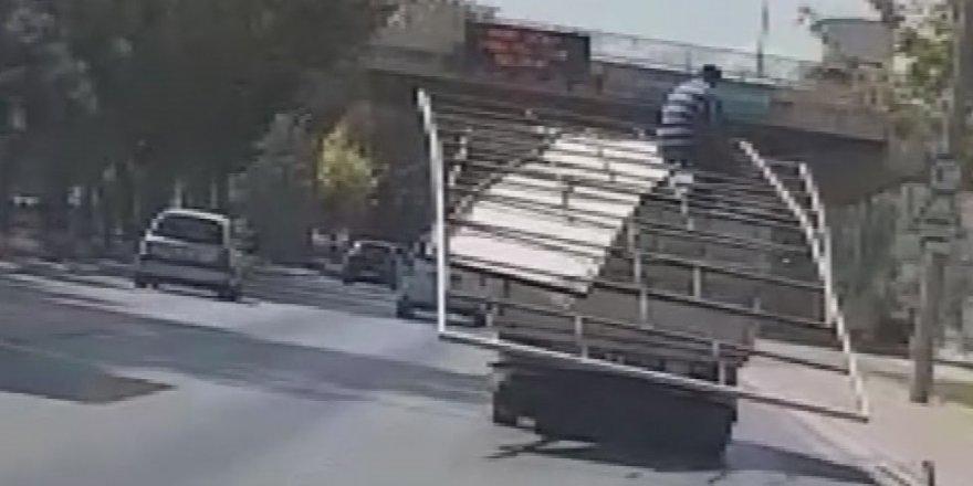 Kamyonette demir profil üzerindeki yolculuğa 2 bin 59 lira ceza