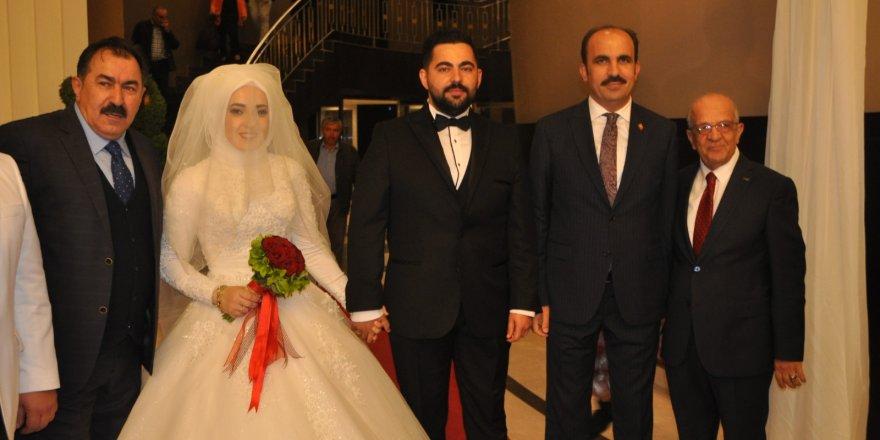Recep Çınar oğlunu evlendirdi