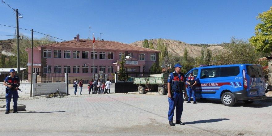 Jandarma'dan okul önlerinde denetim