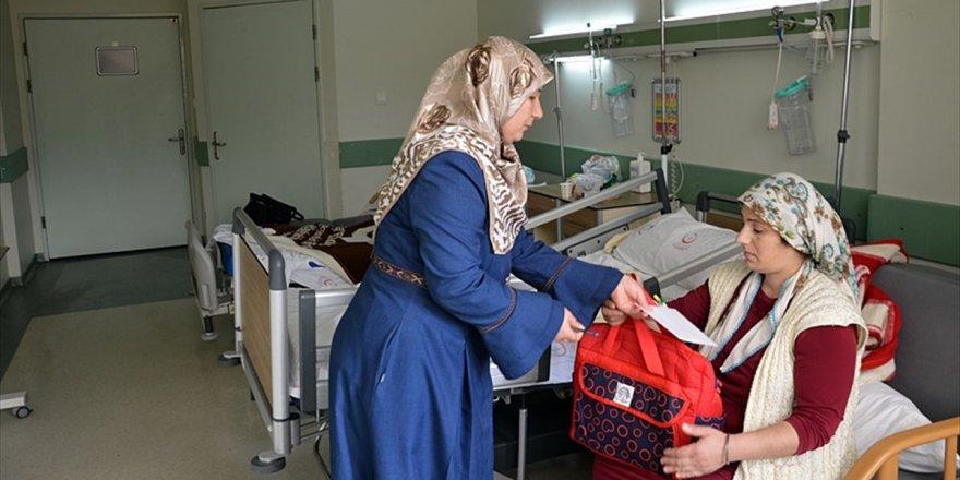 'Hoş Geldin Bebek' Projesi Annelerin Gönlünü Fethetti