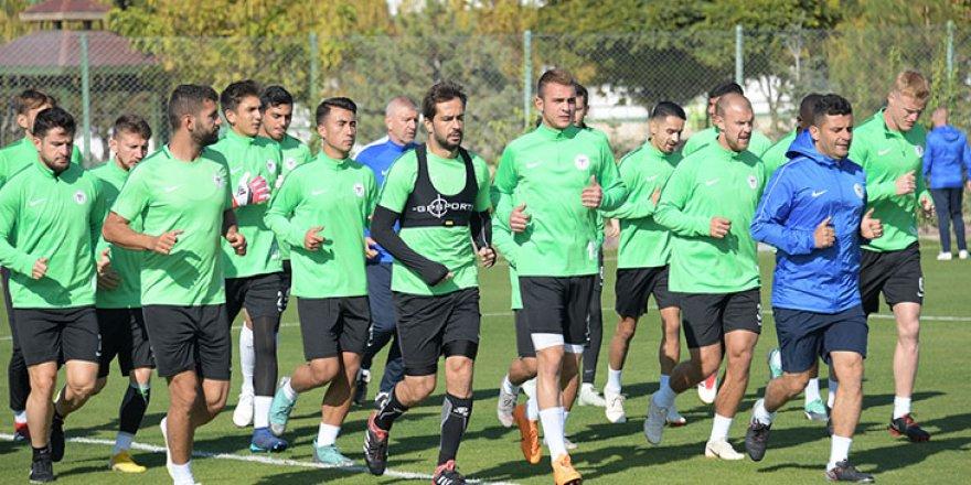 U19'dan 3 futbolcu A takımla birlikte çalıştı