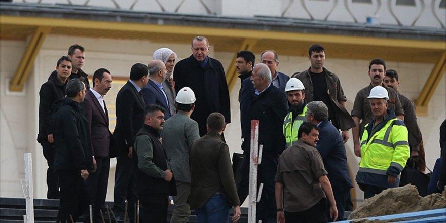 Cumhurbaşkanı Erdoğan, Çamlıca Camisi'nde İncelemelerde Bulundu