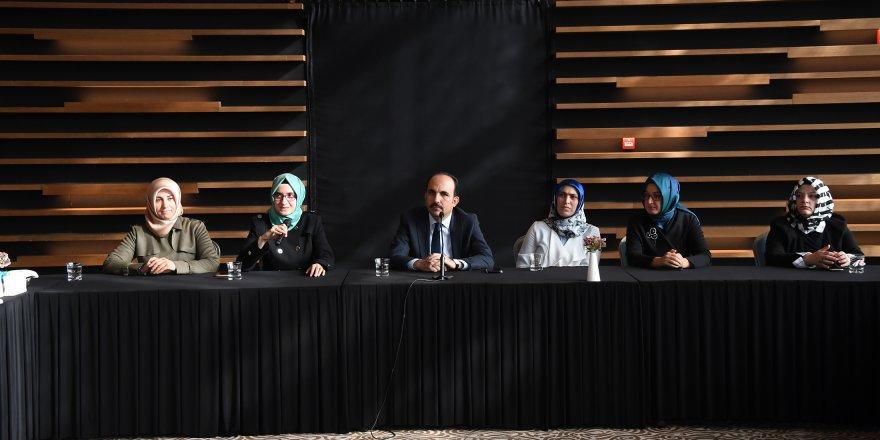 Başkan Altay, Şehir İstişarelerinde AK Parti Kadın Kolları İle Buluştu
