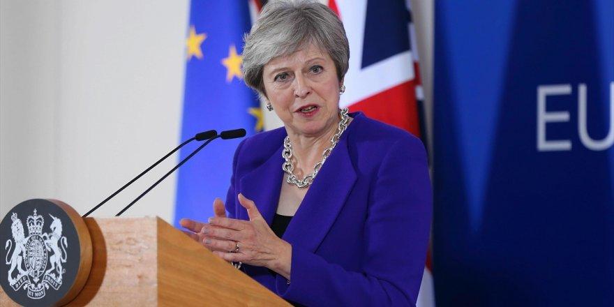 Theresa May'den Kaşıkçı'nın Öldürülmesine Kınama