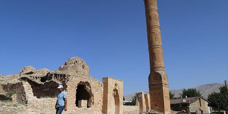 Hasankeyf'te 611 Yıllık Minare De Taşınacak