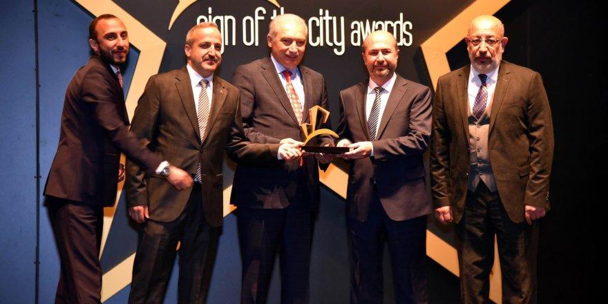 """Selçuklu Belediyesi """"Sign of the City Awards"""" yarışmasından 3 ödülle döndü"""