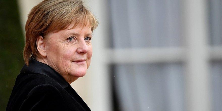 Almanya Başbakanı Merkel: Gerçek Bir Avrupa Ordusu Vizyonu Üzerinde Çalışmalıyız