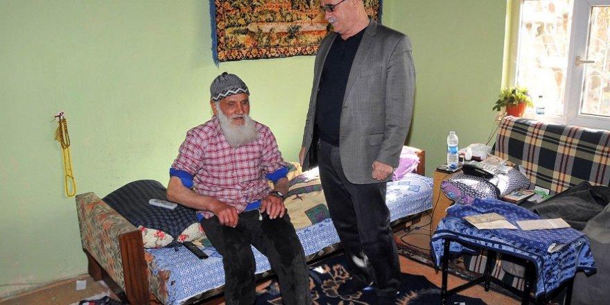 Akşehir Belediyesinin yaşlılara evde temizlik hizmeti