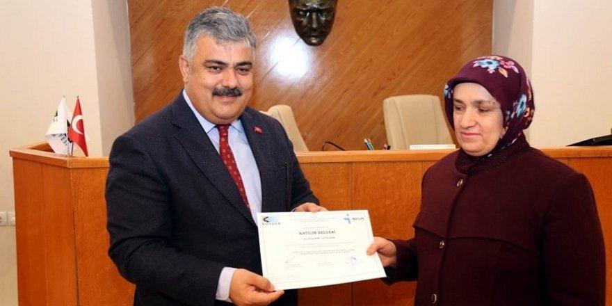 Ereğli'de girişimcilik kursunu bitiren kursiyerlere sertifikaları dağıtıldı