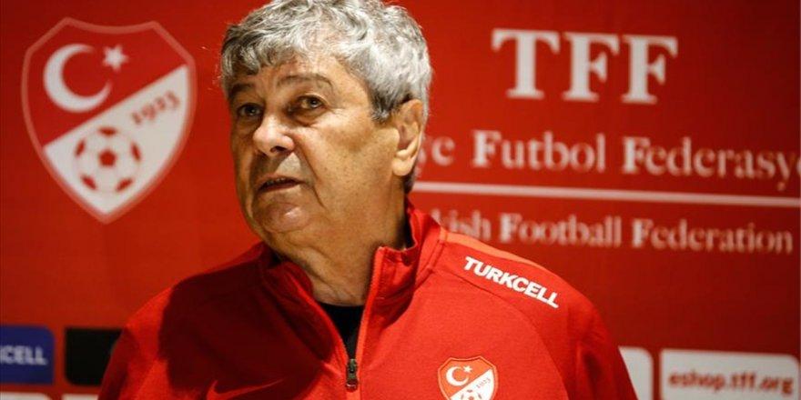 A Milli Futbol Takımı Teknik Direktörü Lucescu: İşime Devam Ediyorum