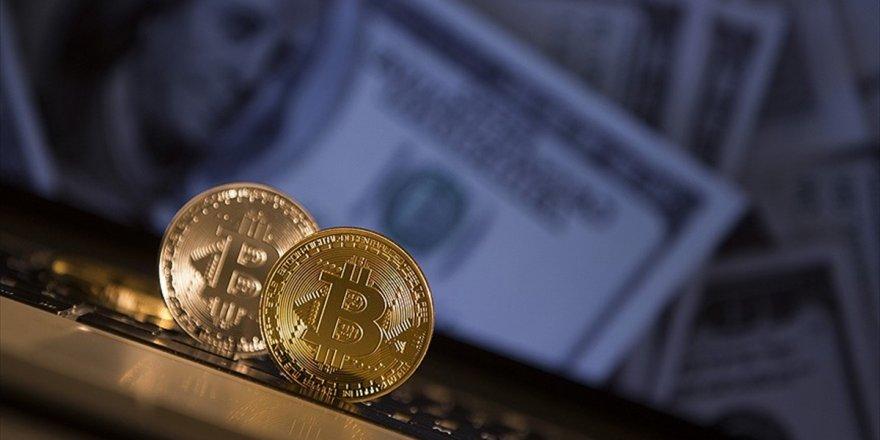 Bitcoin Bir Yıldır İlk Kez 5 Bin Doların Altına Geriledi