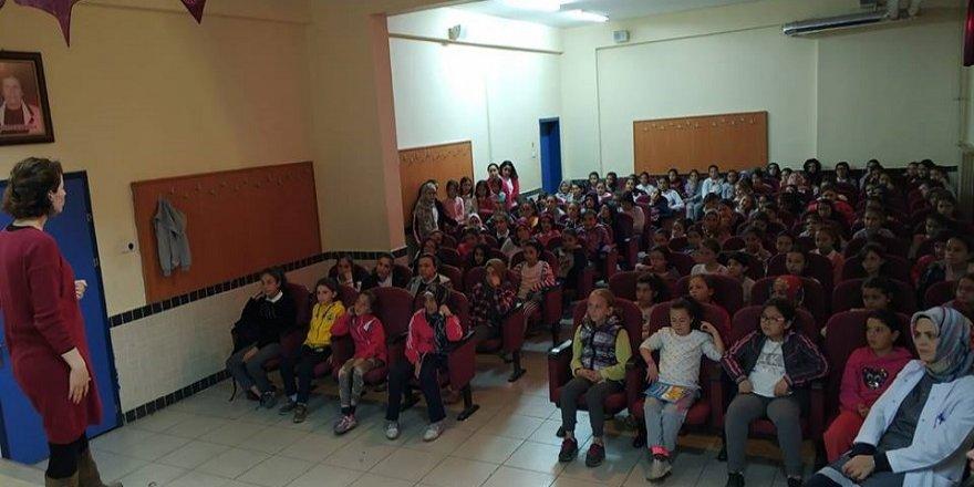 """Beyşehir'de """"Kişisel Hijyen"""" Ve """"Ergenlik"""" Semineri"""