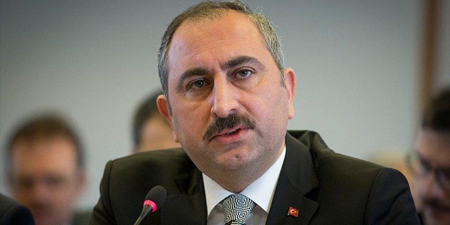 Adalet Bakanı Gül: Herkes Bağımsız Türk Yargısının İşleyişine Saygı Göstersin