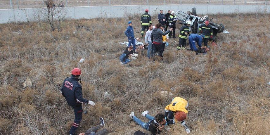 Konya'da Otomobil Şarampole Devrildi: 1 Ölü, 6 Yaralı