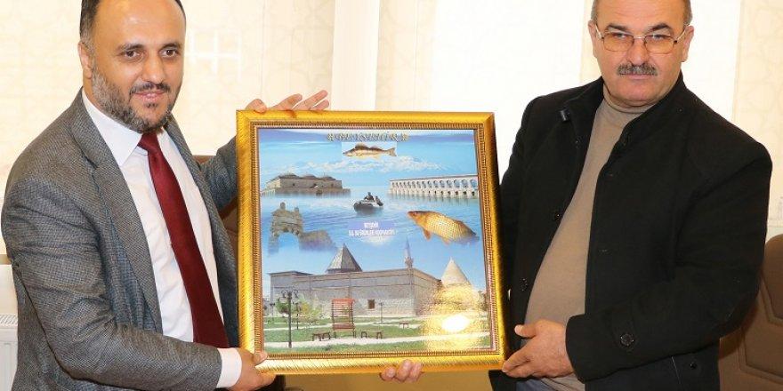 Balıkçılardan Başkan Özaltun'a teşekkür ziyareti
