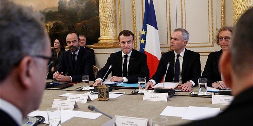 Macron Sendika Temsilcileriyle Görüştü