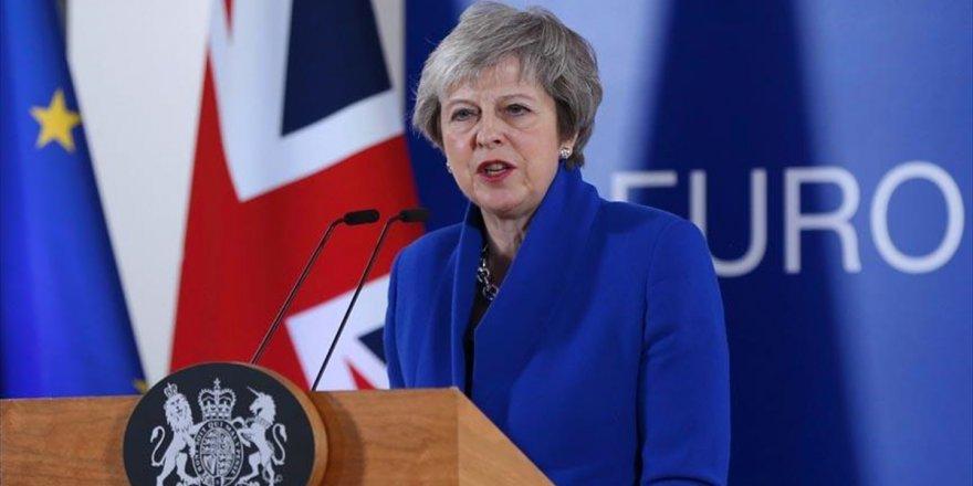 May'den Brexit İçin Mekik Diplomasisi