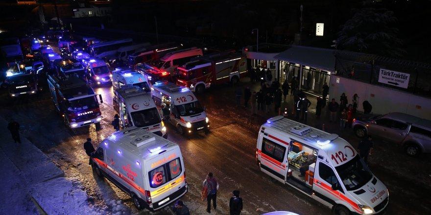 YHT, KILAVUZ LOKOMOTİF İLE ÇARPIŞTI: 4 ölü, 43 yaralı