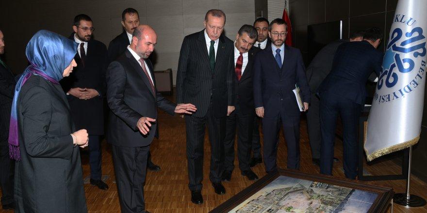 """Erdoğan'a """"Mekke-i Mükerreme Panoraması"""" takdim edildi"""