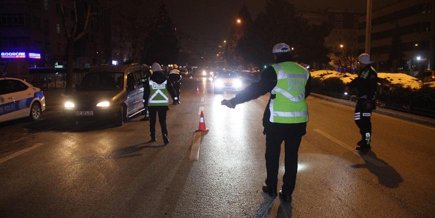 Konya'da 117 alkollü sürücüye 301 bin 870 lira ceza