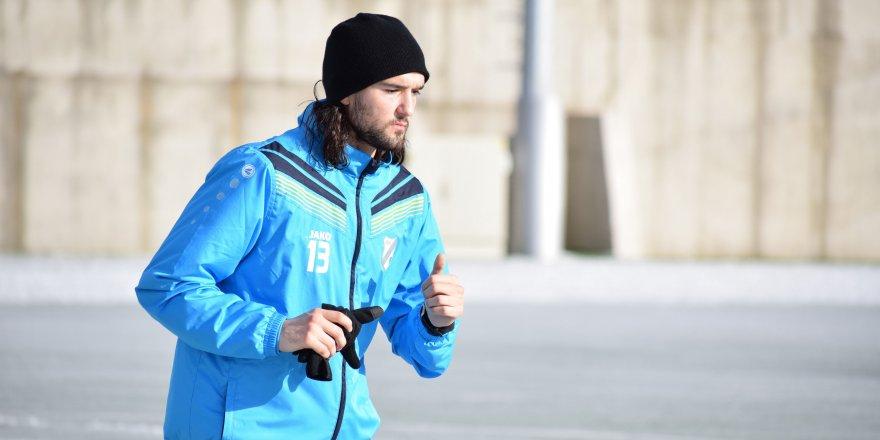 Konyaspor, Zuta ile anlaştı