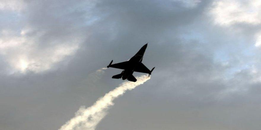 FETÖ'den tutuklanan Türk Yıldızları pilotuna 30 Ağustos'ta yaptığı alçak uçuş soruldu