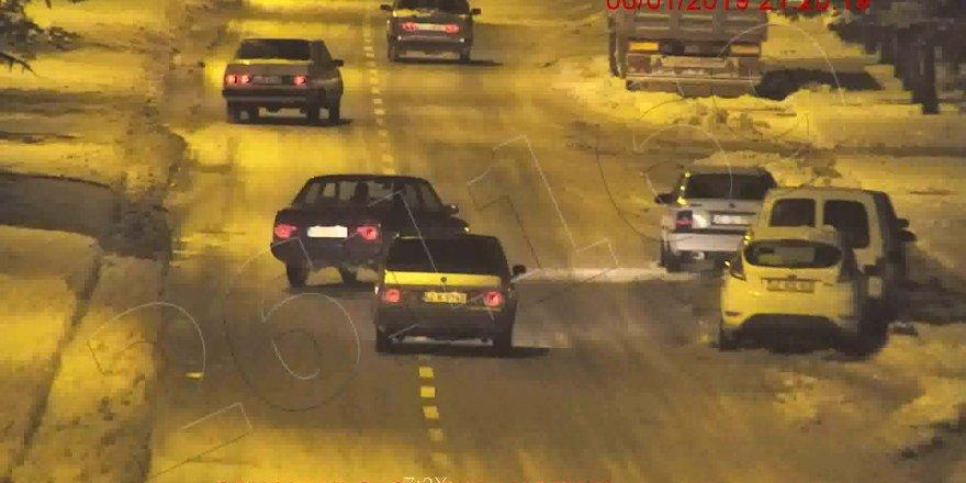 Trafikte makas atan 3 sürücüye 7 bin lira ceza
