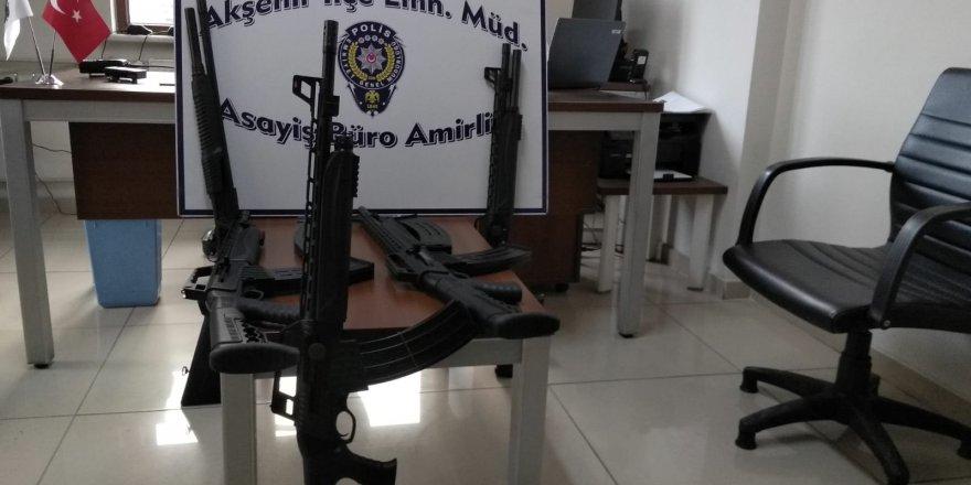 Konya'da Polis Operasyonunda Çok Sayıda Silah Yakalandı