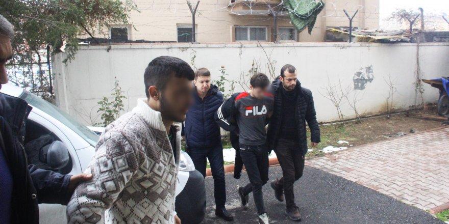 2 kişiyi silahla yaralayan 3 şüpheli serbest kaldı