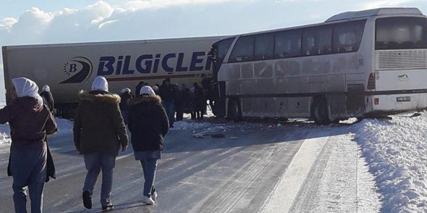 Ereğli'de işçi servisi kaza yaptı