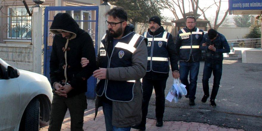 Konya'da Akü Çalan 4 Kişi Tutuklandı