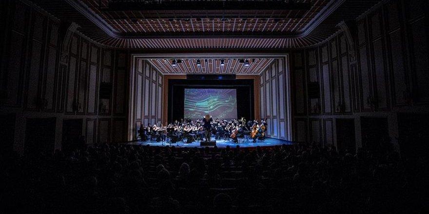 İnteraktif Opera Şovu İzleyiciyle Buluştu