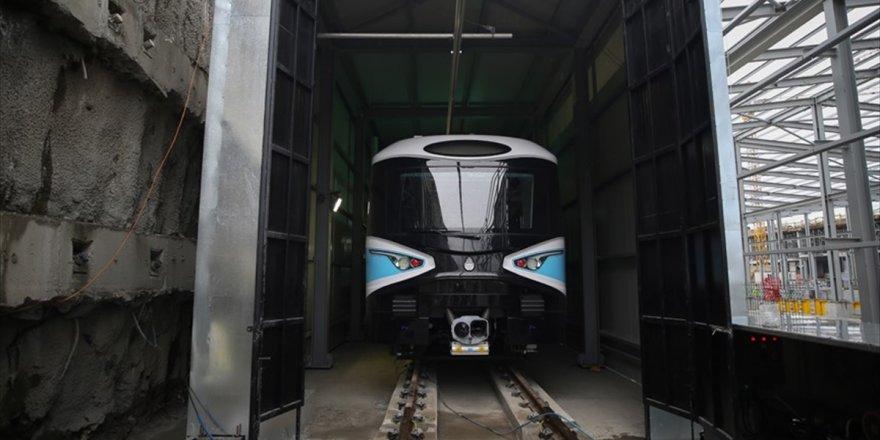 Kabataş-mahmutbey Metrosuna İlk Araç İndirildi
