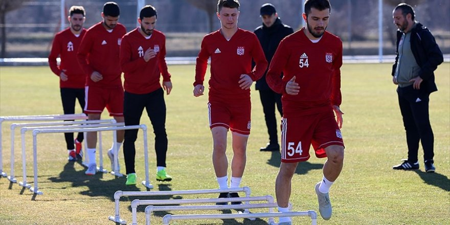 Sivasspor Akhisarspor'u Konuk Edecek