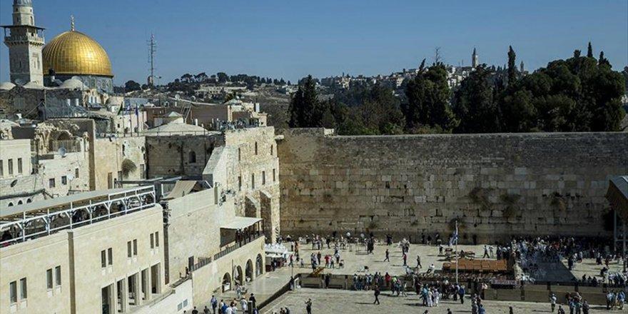 Ağlama Duvarı İçin 'İslami Vakıf' Fetvası
