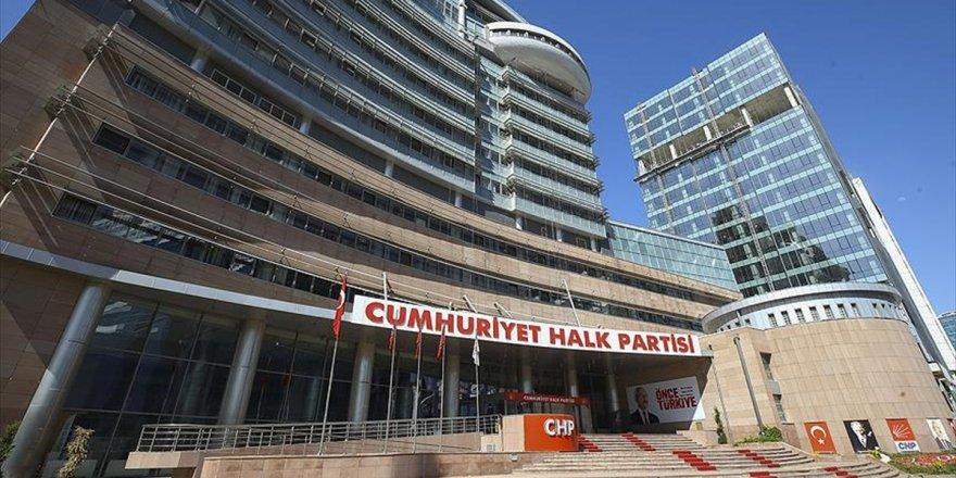Chp'de 12 Üyeden Olağanüstü Pm Çağrısı