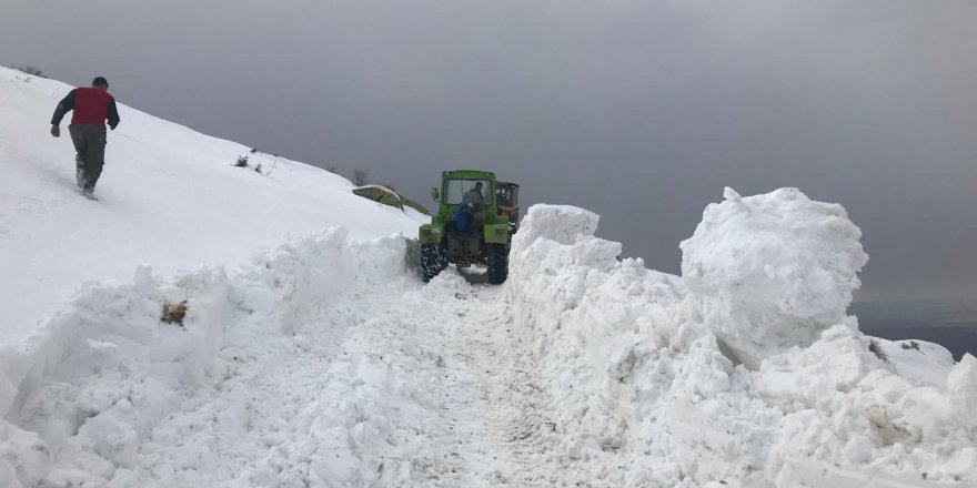 Beyşehir'de 2 Bin 300 Metre Zirvede Zorlu Kar Mücadelesi
