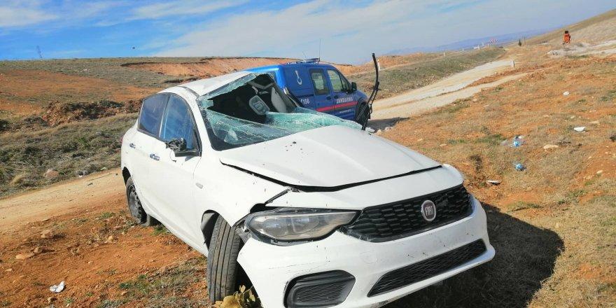 Üniversite öğrencilerinin içinde olduğu otomobil takla attı: 4 yaralı
