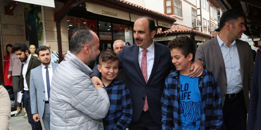 Başkan Altay ve Kavuş Bedesten esnafıyla buluştu