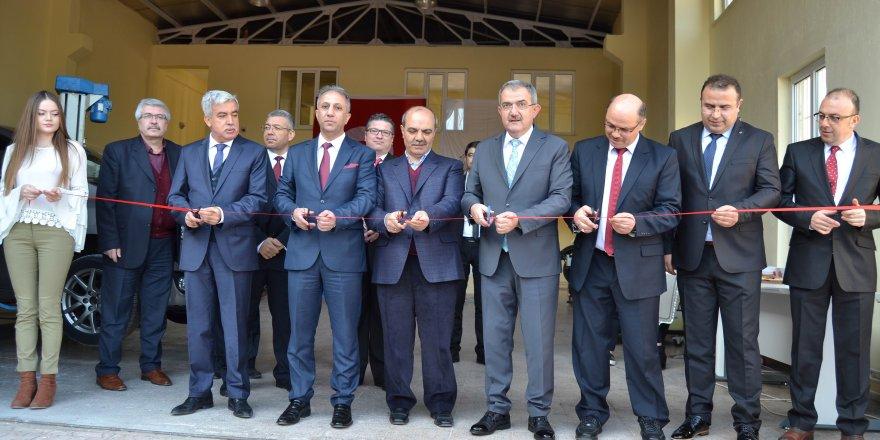 Selçuk Üniversitesi Otomotiv Teknolojileri Uygulama Merkezi açıldı
