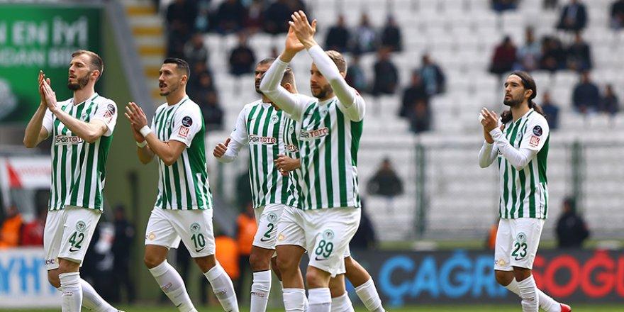 Konyaspor ideal 11'i bulamadı
