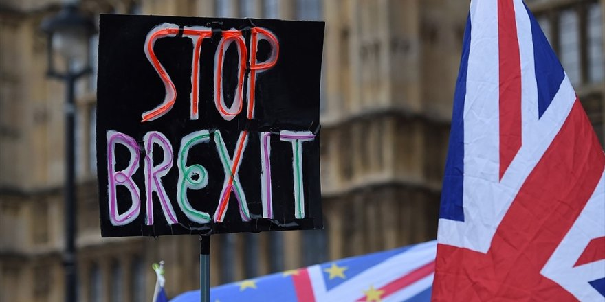 Brexit'i İptal Dilekçesine 2 Milyon 500 Bin İmza