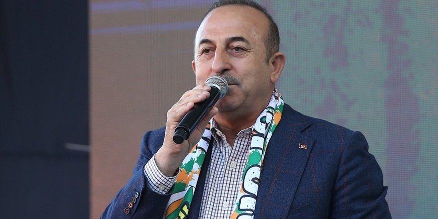 Dışişleri Bakanı Çavuşoğlu: Denize Düşen Yılana Sarılır Misali Fetö'ye Sarıldılar